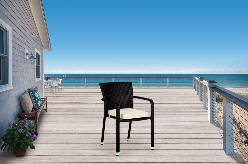 Rattanstuhle Stapelbare Gartenschuhle In Schwarz Mixbraun Oder